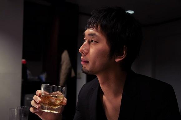 AGAの治療中は飲酒を控えるべきなの?